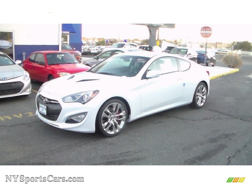 2015 hyundai genesis coupe 3 8 r spec in casablanca white. Black Bedroom Furniture Sets. Home Design Ideas