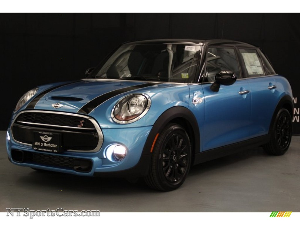 2015 Mini Cooper S Hardtop 4 Door In Electric Blue