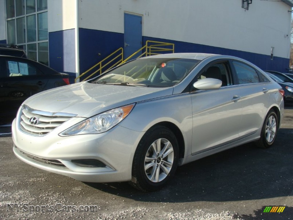 2013 Hyundai Sonata Gls In Radiant Silver Photo 6