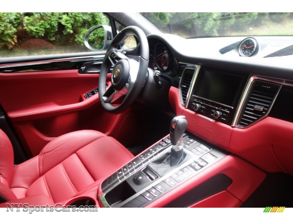 2016 porsche macan turbo in agate grey metallic photo 18 - Porsche macan white with red interior ...