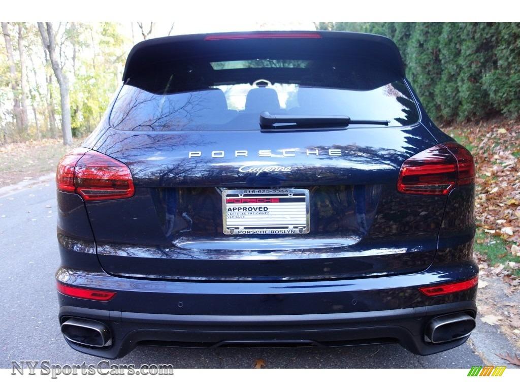 2016 Porsche Cayenne In Moonlight Blue Metallic Photo 5