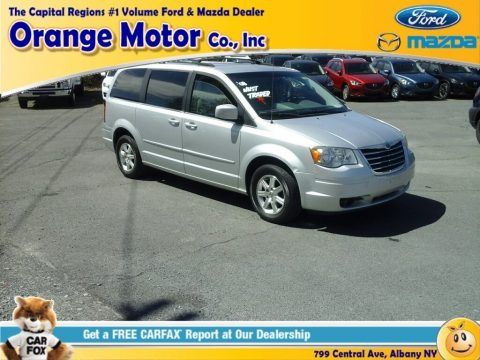 Bright Silver Metallic 2008 Chrysler Town & Country Touring