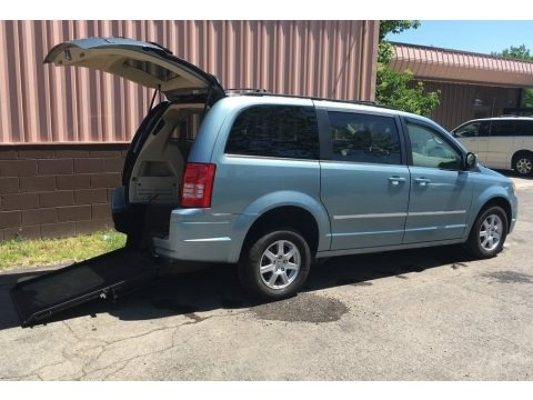 Clearwater Blue Pearl 2010 Chrysler Town & Country Touring