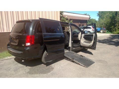 Brilliant Black Crystal Pearl 2012 Dodge Grand Caravan Crew