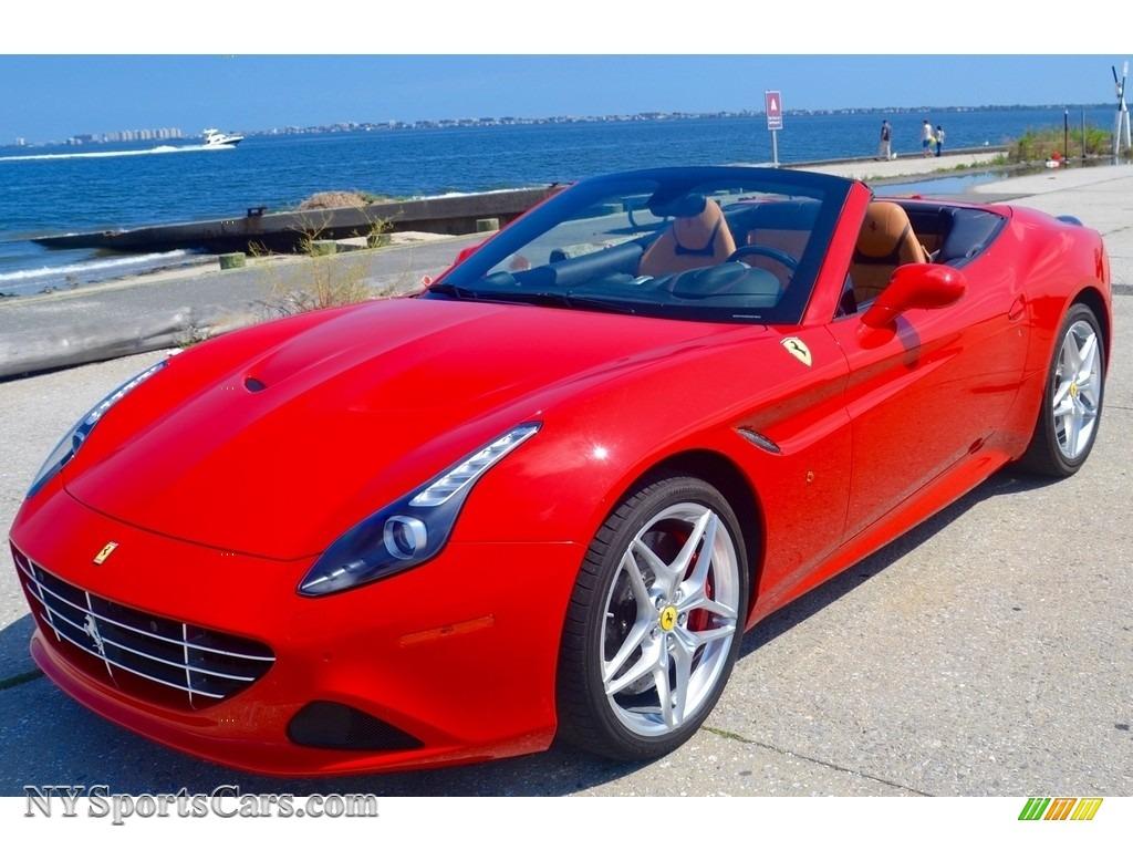 Rosso Scuderia / Cuoio Ferrari California T