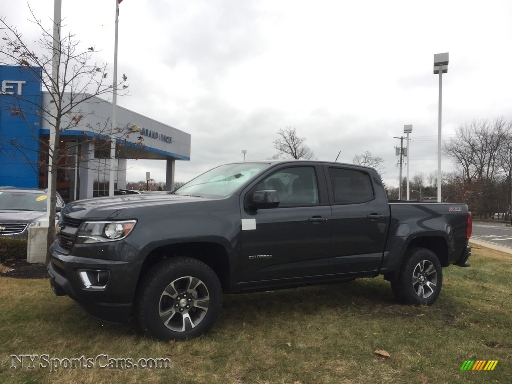 2017 chevrolet colorado z71 crew cab 4x4 in cyber gray metallic 159877. Black Bedroom Furniture Sets. Home Design Ideas