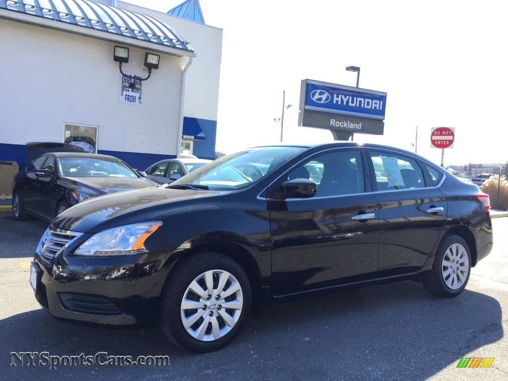 Super Black / Charcoal Nissan Sentra S