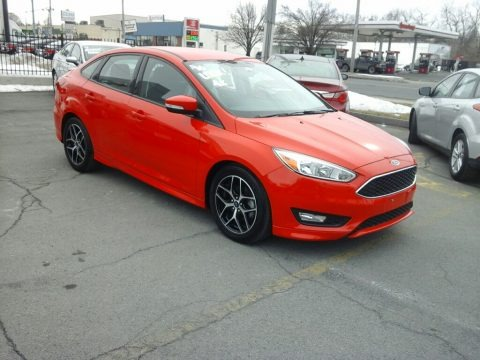 Race Red 2016 Ford Focus SE Sedan