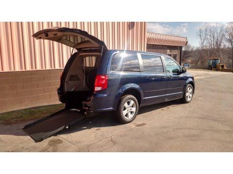 True Blue Pearl 2013 Dodge Grand Caravan SE