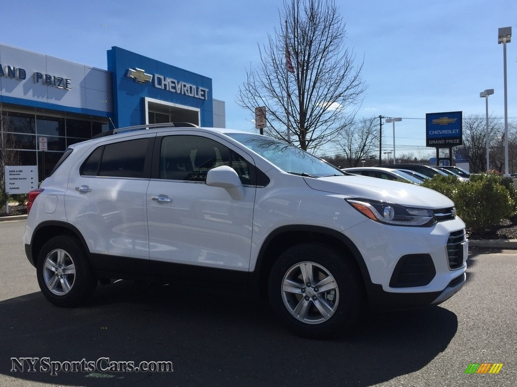 2017 Trax LT AWD - Summit White / Jet Black photo #3