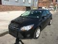 Ford Focus SE Sedan Tuxedo Black photo #3