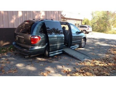 Magnesium Pearl 2006 Chrysler Town & Country Limited