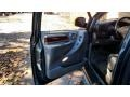 Chrysler Town & Country Limited Magnesium Pearl photo #31