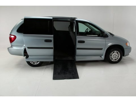Butane Blue Pearl 2005 Dodge Grand Caravan SE