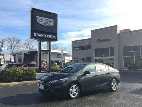 Graphite Metallic 2017 Chevrolet Cruze LT