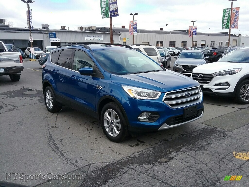2017 Escape SE 4WD - Lightning Blue / Charcoal Black photo #1