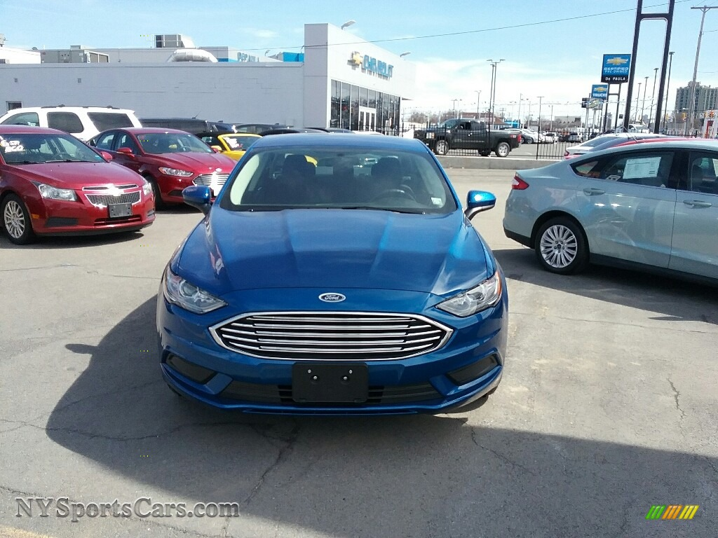 2017 Fusion SE - Lightning Blue / Ebony photo #2