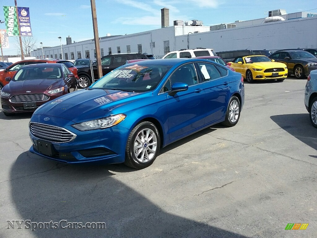 2017 Fusion SE - Lightning Blue / Ebony photo #3