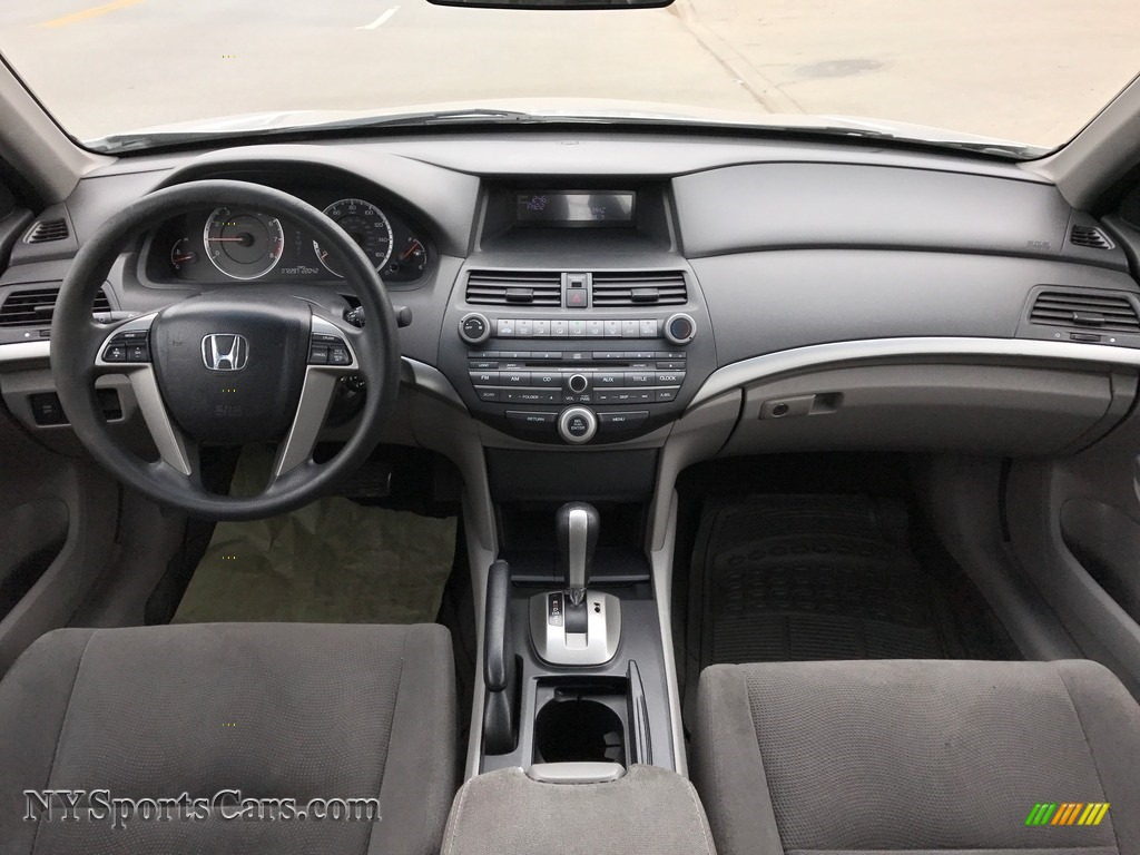 2010 Accord EX Sedan - Alabaster Silver Metallic / Gray photo #38