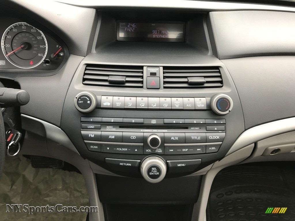 2010 Accord EX Sedan - Alabaster Silver Metallic / Gray photo #40