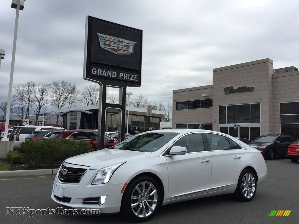 2017 XTS Luxury AWD - Crystal White Tricoat / Shale w/Cocoa Accents photo #1
