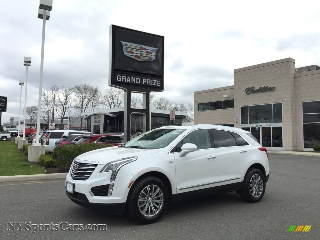 Crystal White Tricoat / Jet Black Cadillac XT5 Luxury AWD