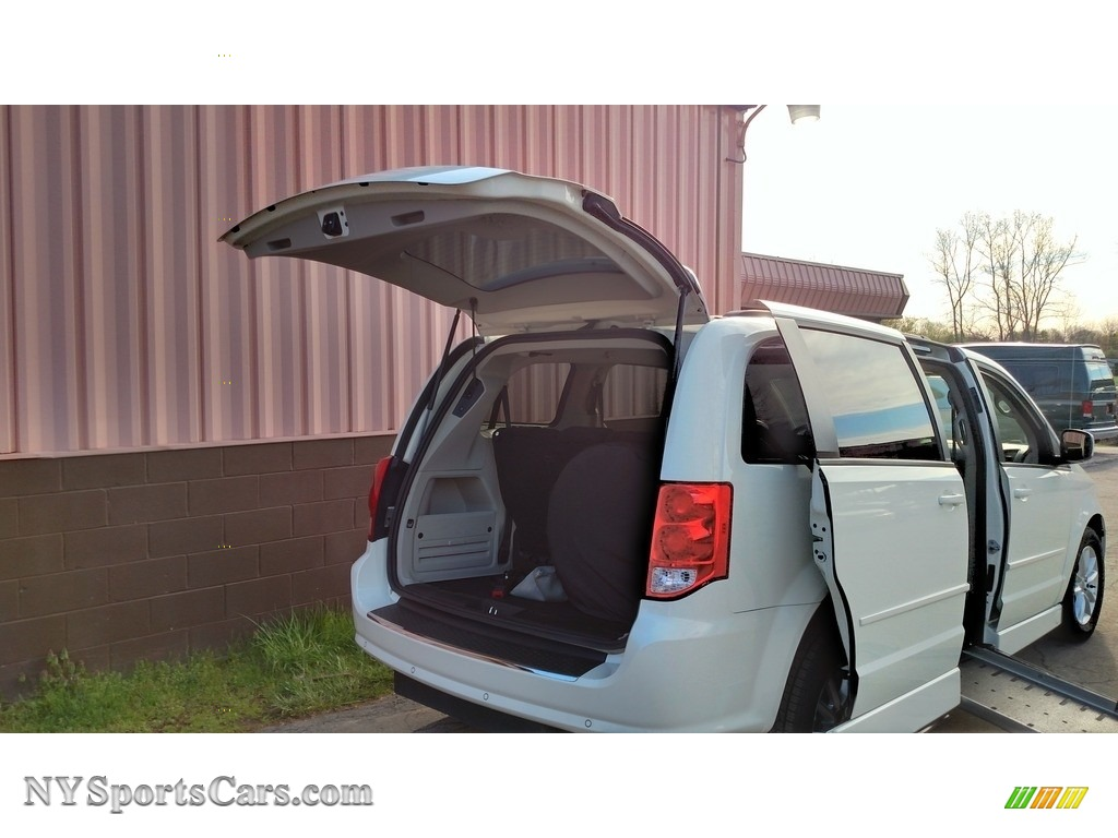 2013 Grand Caravan SXT - Stone White / Black/Light Graystone photo #12