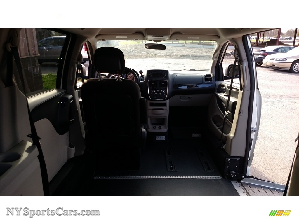 2013 Grand Caravan SXT - Stone White / Black/Light Graystone photo #15
