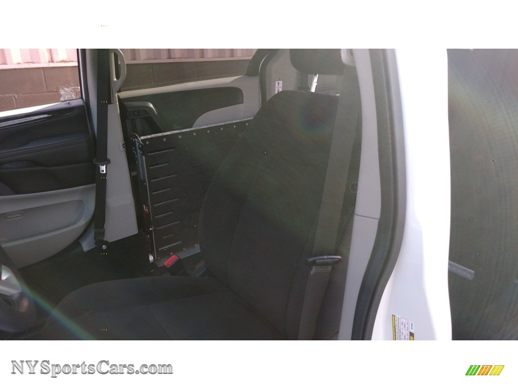2013 Grand Caravan SXT - Stone White / Black/Light Graystone photo #30