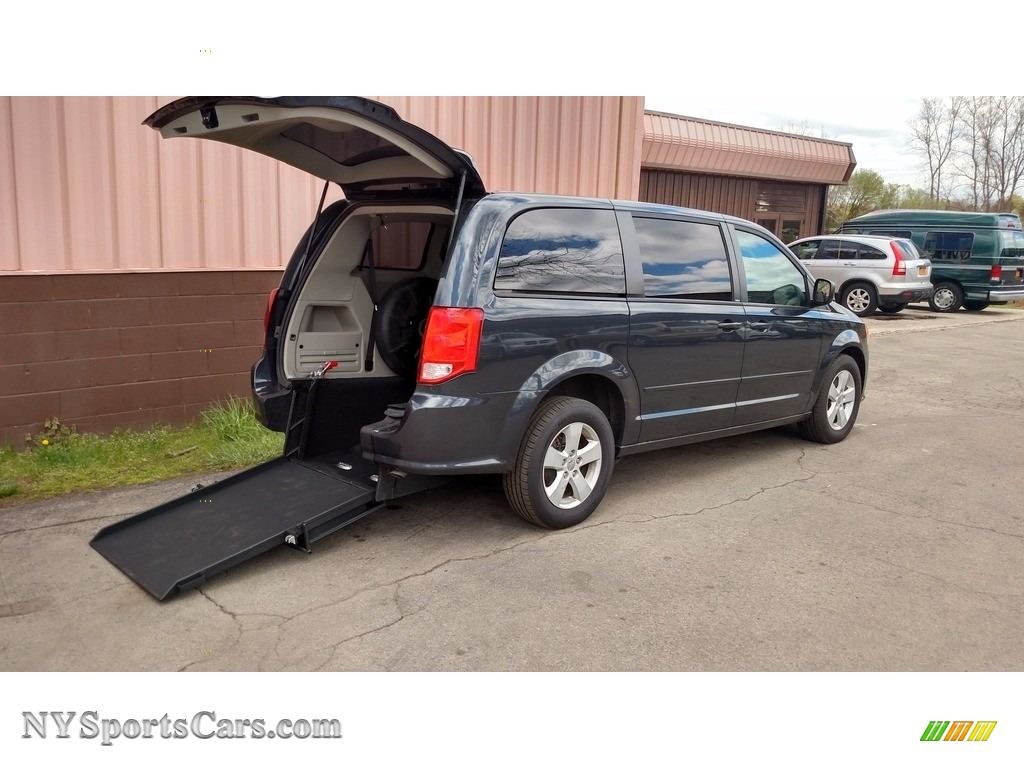 2013 Grand Caravan SE - Maximum Steel Metallic / Black/Light Graystone photo #1