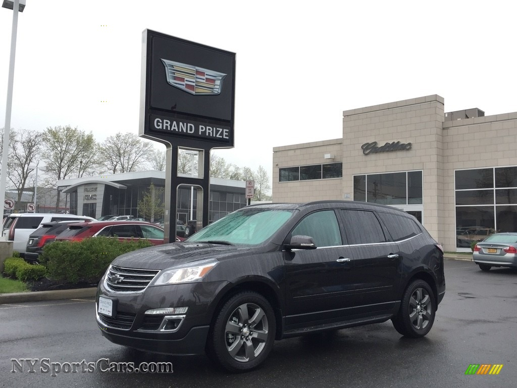 2017 Traverse LT AWD - Tungsten Metallic / Ebony photo #1