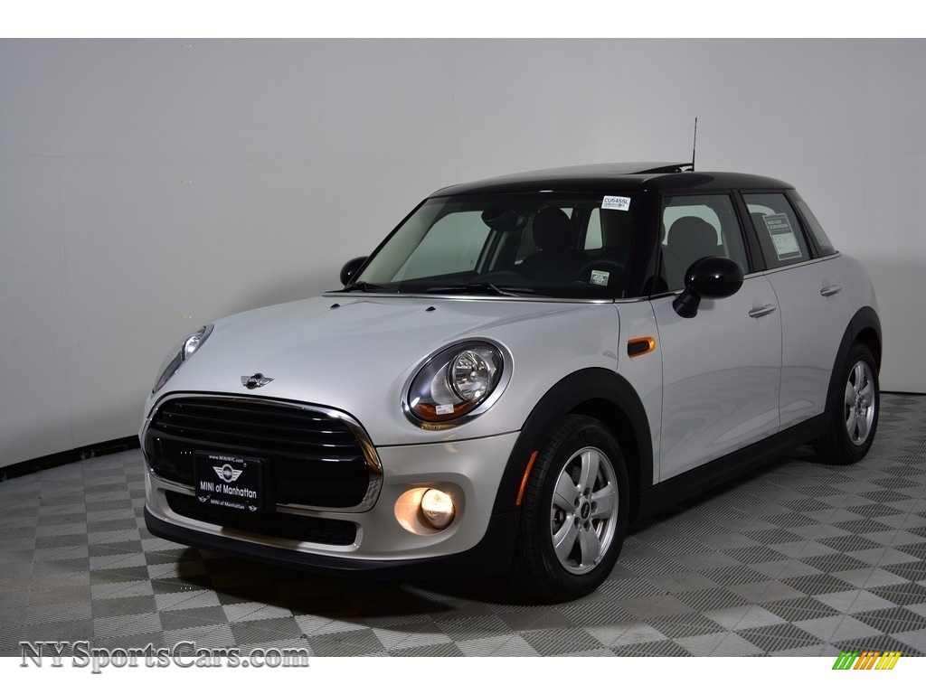 White Silver Metallic / Carbon Black Mini Hardtop Cooper 4 Door