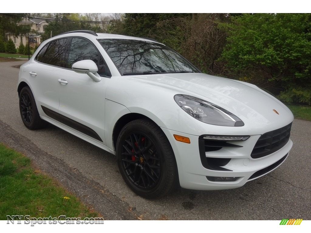2017 Macan GTS - Carrara White Metallic / Black/Garnet Red photo #8