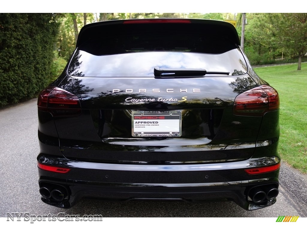 2016 Cayenne Turbo S - Black / Black/Garnet Red photo #5
