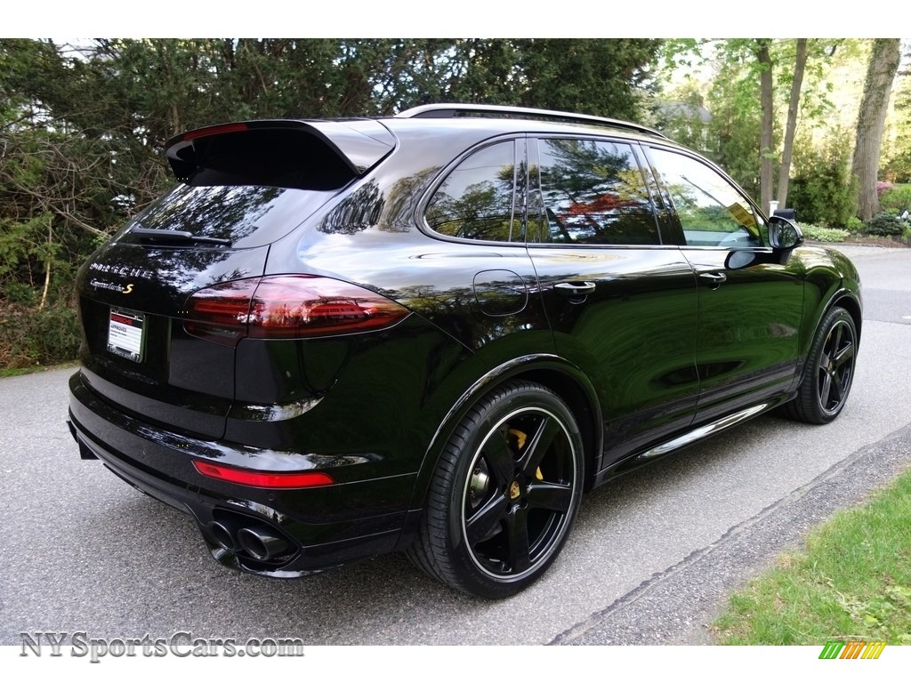 2016 Cayenne Turbo S - Black / Black/Garnet Red photo #7