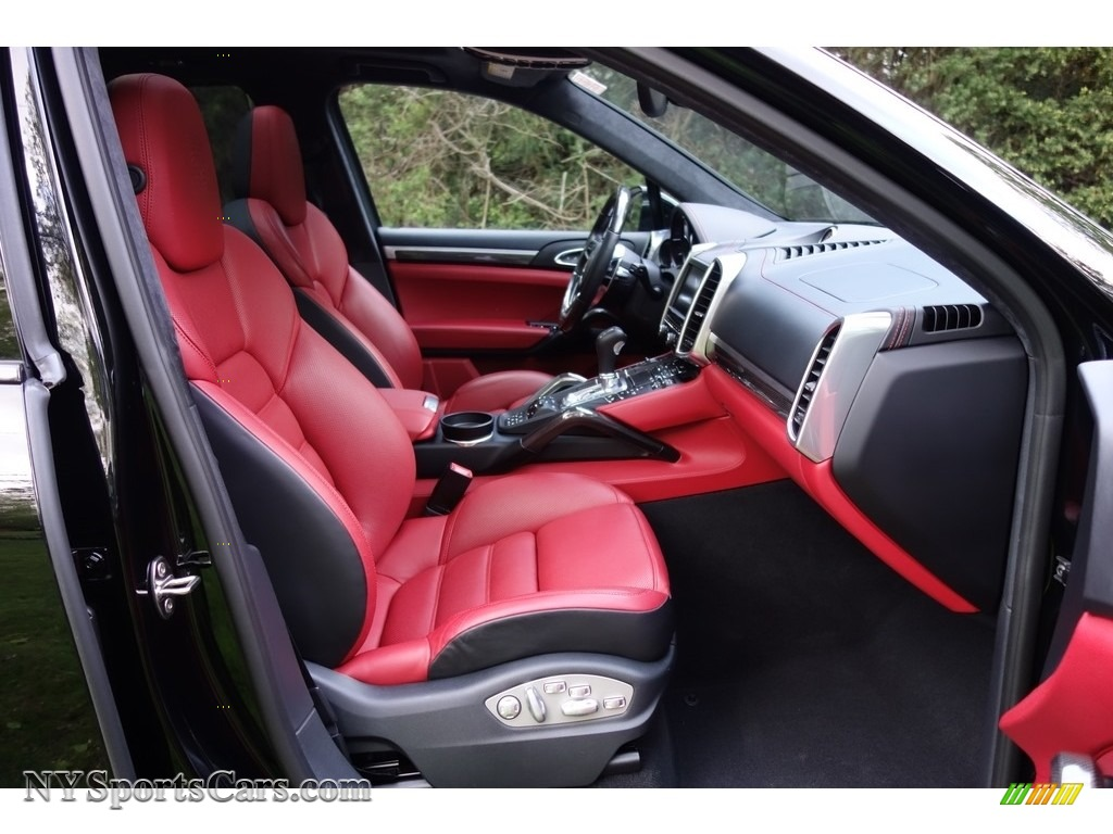 2016 Cayenne Turbo S - Black / Black/Garnet Red photo #17