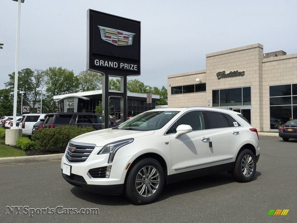 2017 XT5 Luxury AWD - Crystal White Tricoat / Jet Black photo #1