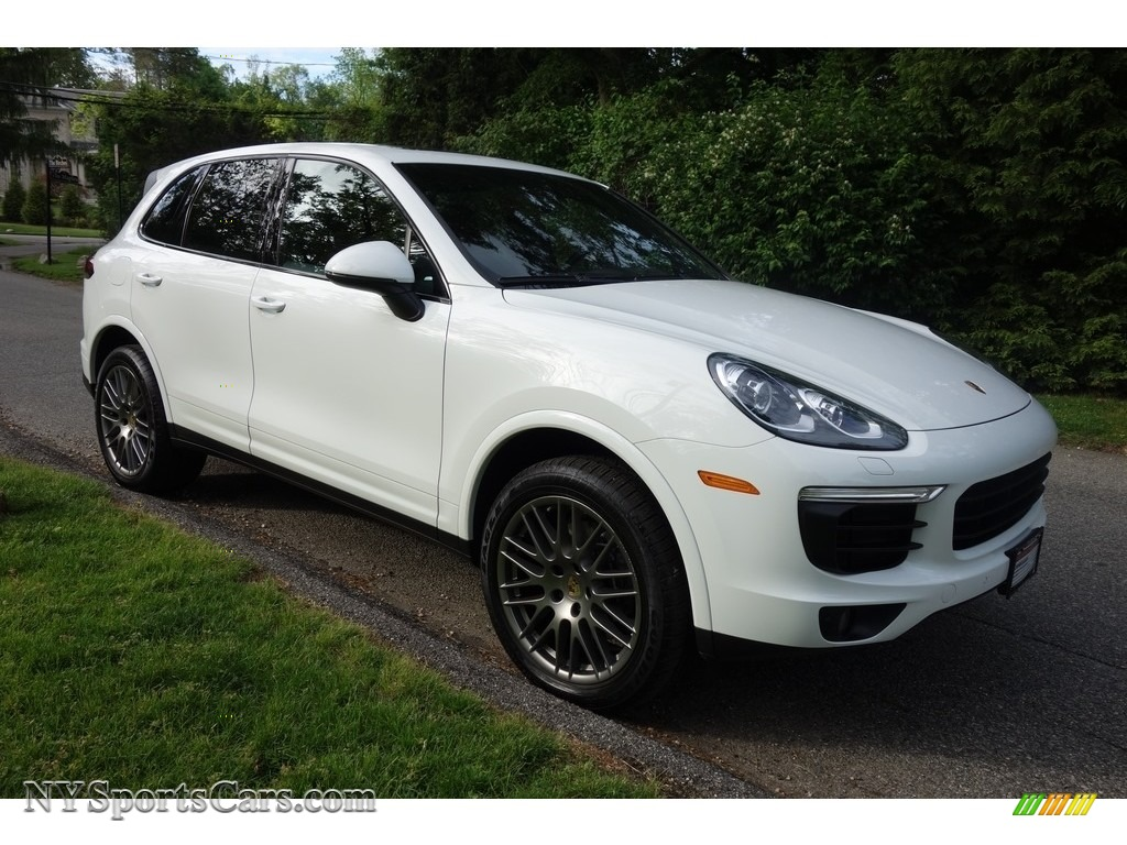 2017 Cayenne Platinum Edition - White / Black photo #8