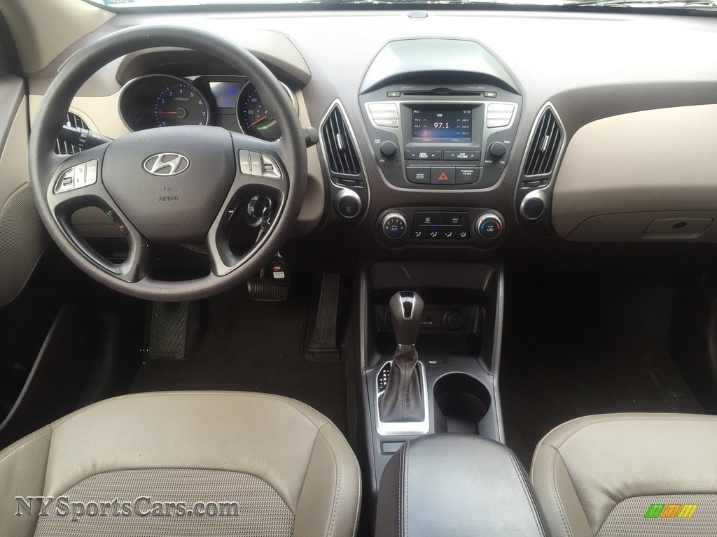 2015 Tucson GLS AWD - Winter White / Beige photo #13