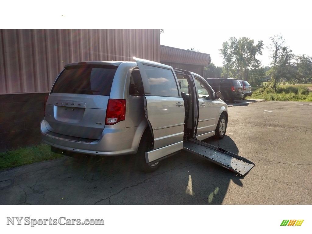2012 Grand Caravan SE - Bright Silver Metallic / Black/Light Graystone photo #1