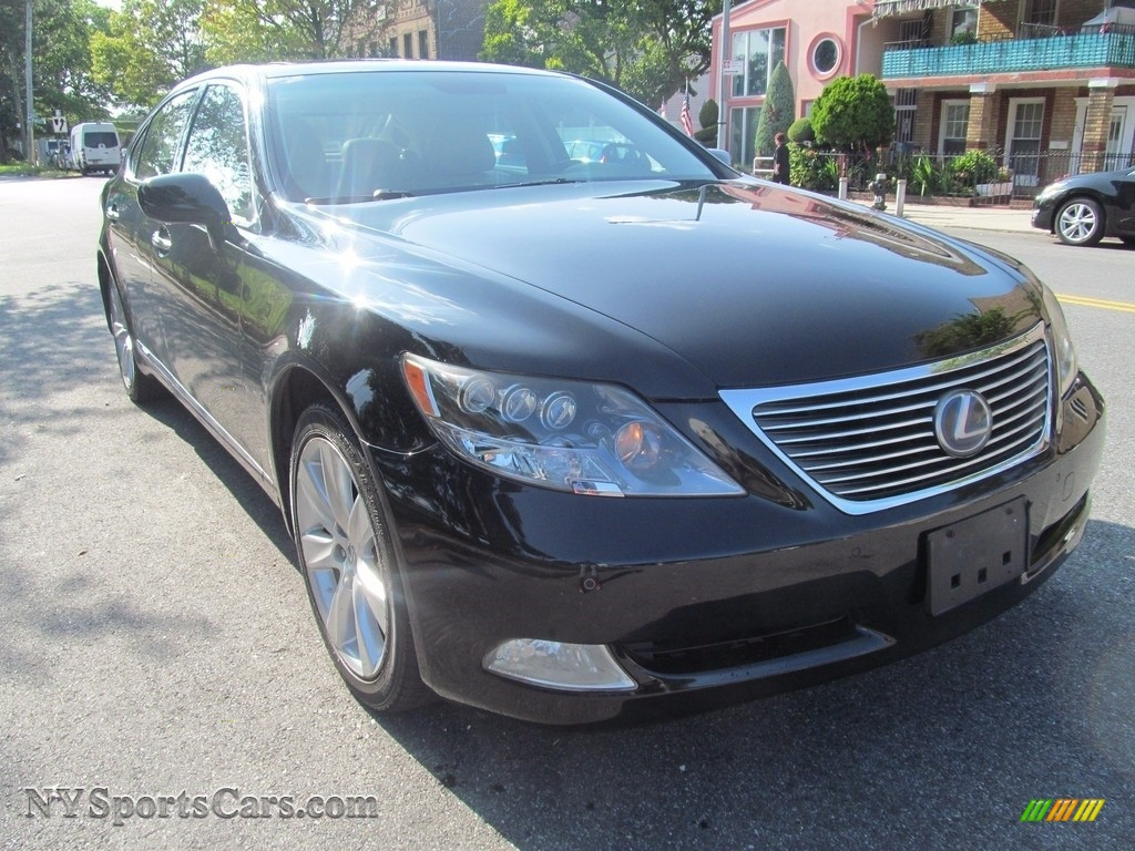 Obsidian Black / Light Gray Lexus LS 600h L Hybrid