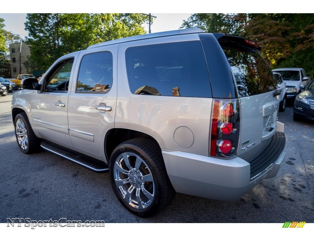 2010 Yukon Denali AWD - Pure Silver Metallic / Ebony photo #4