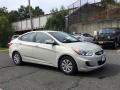 Hyundai Accent SE Sedan Misty Beige photo #3