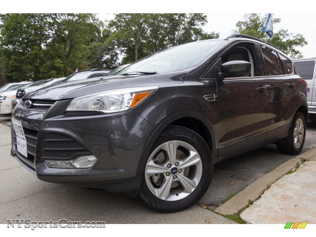 2016 Escape SE 4WD - Magnetic Metallic / Medium Light Stone photo #1
