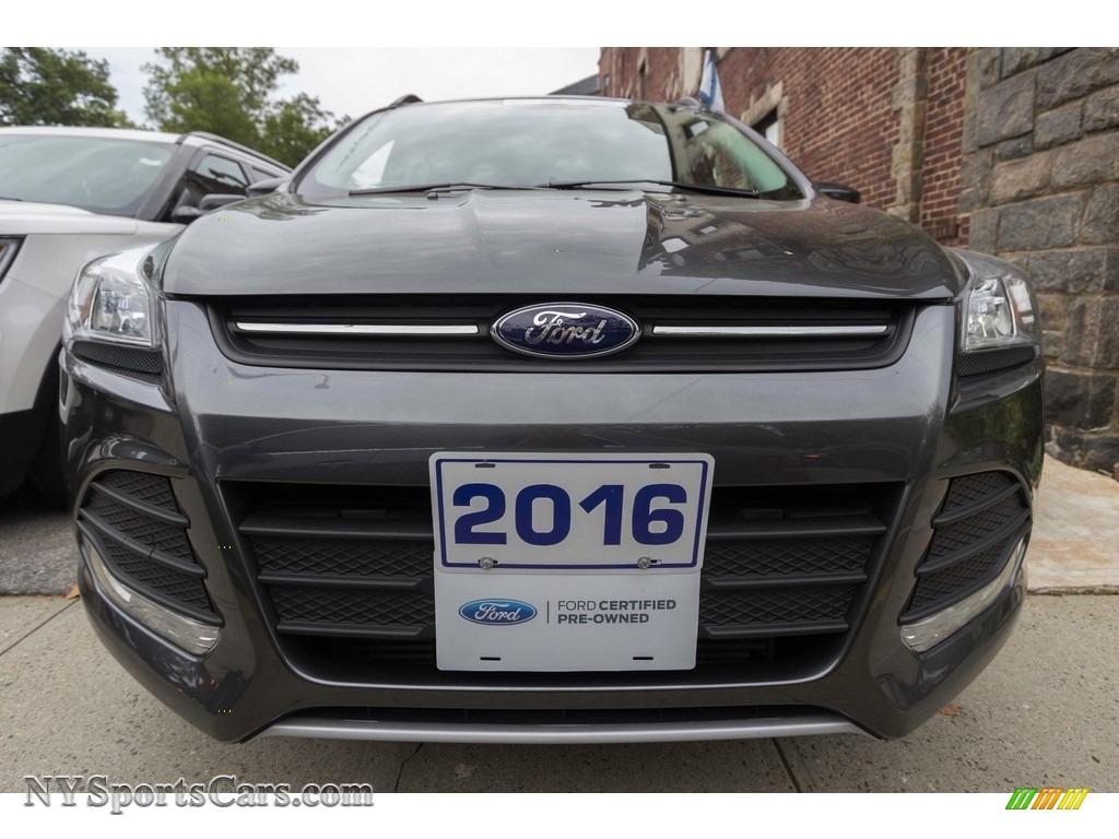 2016 Escape SE 4WD - Magnetic Metallic / Medium Light Stone photo #2