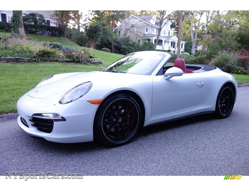 Carrara White Metallic / Black/Garnet Red Porsche 911 Carrera 4S Cabriolet