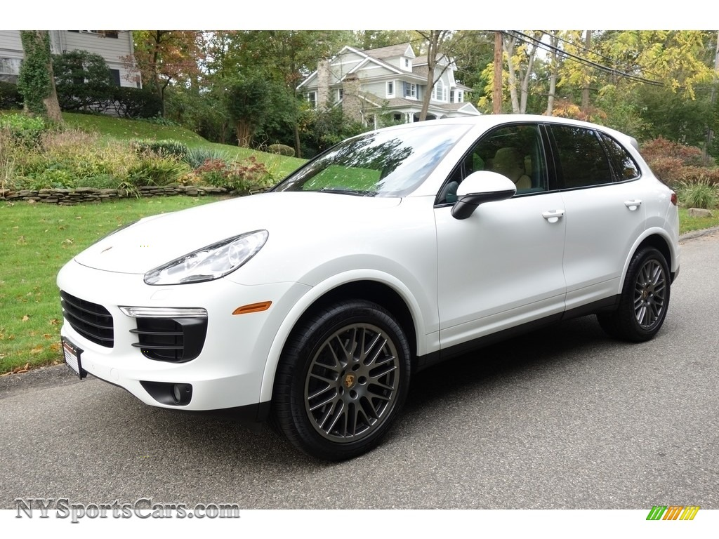 2017 Cayenne Platinum Edition - White / Black/Luxor Beige photo #1