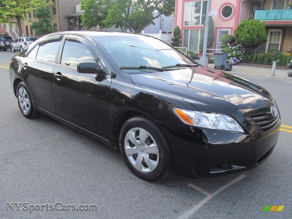 Black / Bisque Toyota Camry LE