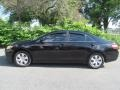 Toyota Camry LE Black photo #6