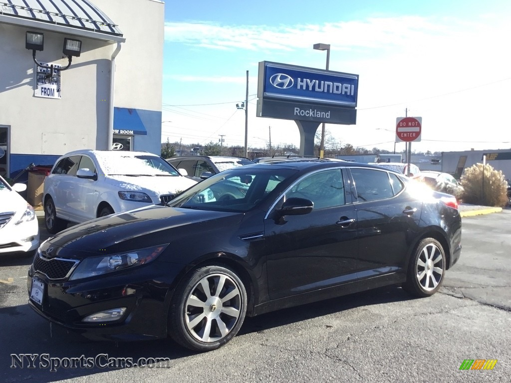Ebony Black / Black Kia Optima SX